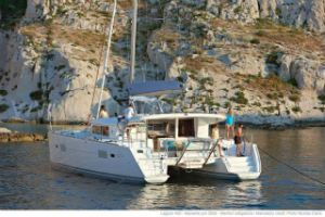 lagoon 400s2 sailing in Croatia