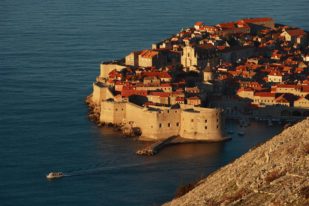 One way sailing from Split to Dubrovnik - photo of Dubrovnik